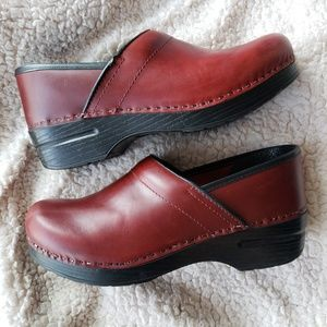 DANSKO Burgundy Red Brown Clogs Women's 39